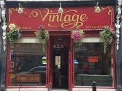 Vintage Bar Hull